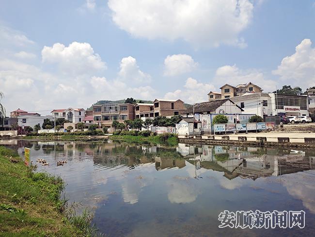 在兵支书李国富带领下,龙青村呈现美丽新面貌.jpg